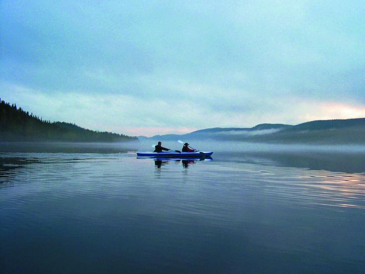 Canoeing on Lake Paanajärvi in Paanajärvi PAN Park / Photo: Viktor Gritsuk