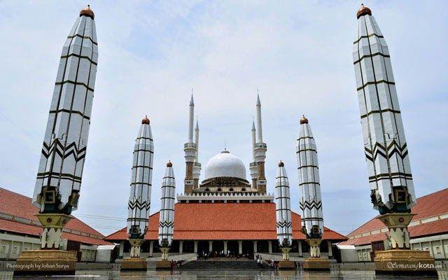 Paling Bagus 25 Gambar Wallpaper Masjid Wallpaper Masjid Agung Jawa Tengah Semarang Semarang Kota Kumpulan Wallpaper Islami Di 2020 Semarang Tempat Ibadah Foto Alam