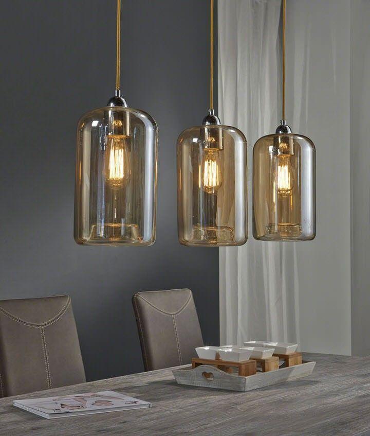 De elegante Hanglamp Alida is een echte blikvanger boven je eettafel. De Hanglamp is uitgevoerd in gekleurd glas dat een warme gloed verspreid. De glazen lampenkappen hangen aan een base uitgevoerd in mat nikkel. Met deze base kan de hanglamp tevens in hoogte versteld worden. Het merk Davidi Design heeft de Hanglamp Alida met veel passie ontworpen. Dankzij het gebruik van kwalitatieve materialen heeft de hanglamp een lange levensduur.