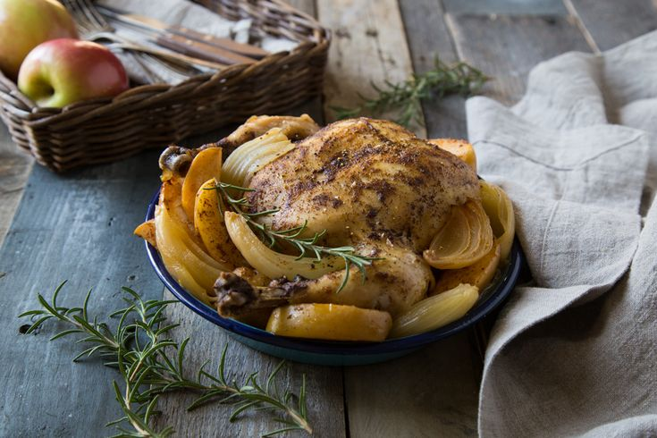 Autumn Spiced Slow Cooker Chicken with Apples and Onions