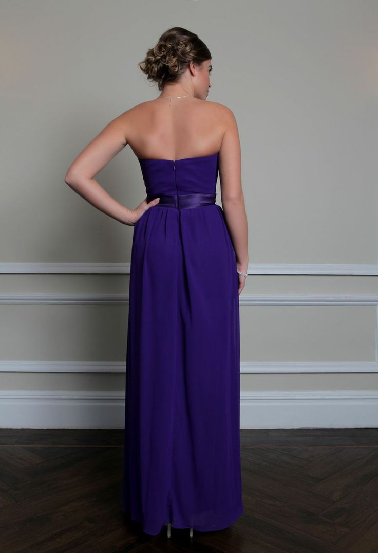Roa A Simple Yet Stunning Floor Length Gown Featuring An Elegant