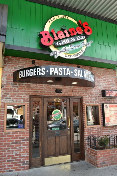 Blaine S Grill Bar Eat Some Delicious Burgers Pastas And Salads