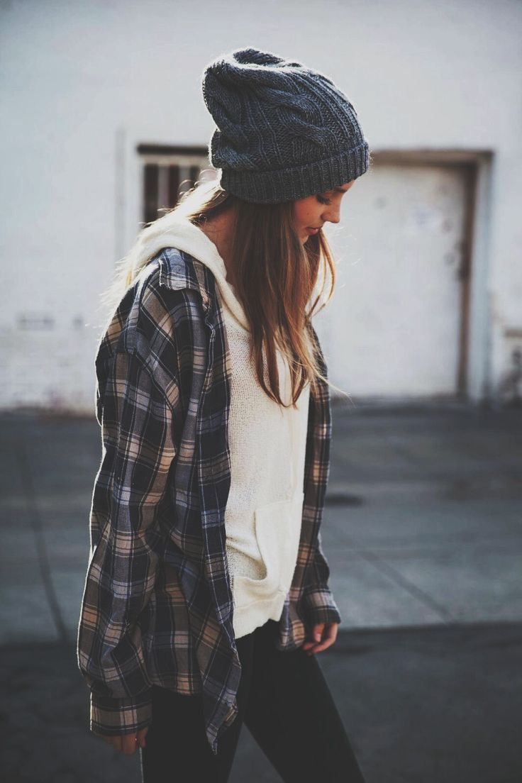 beanie, hoodie, oversized flannel. every day please. Loved and repinned by Hattie Reegan's www.etsy.com/shop/hattiereegans