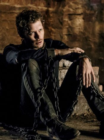 """Klaus Mikaelson → 4x01 """"Gather Up the Killers"""""""