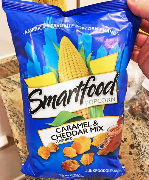 #snacks Review: Smartfood Caramel & Cheddar Mix Popcorn & Reprise: Hot Clueless Girls for Everyone to See (A Rosetta Stone Story) #foodie