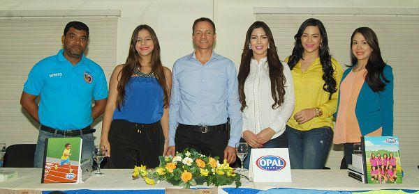 Fundación Opal Jeans y presentadoras de TV se unen para festival deportivo