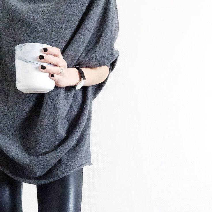 I love this oversize knit with a leather legging | leia sfez