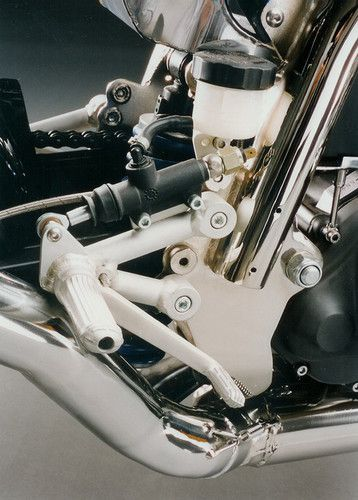 Details of the well known built by VD Classic in france. The rearsets are home made
