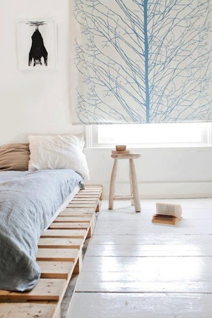 maybe Pallets instead of buying a platform?!: Ideas, Pallet Beds, Curtains, Bed Frames, Pallets Beds Frames, Pretty Bedroom, Platform Beds, Bedrooms, Wood Pallets