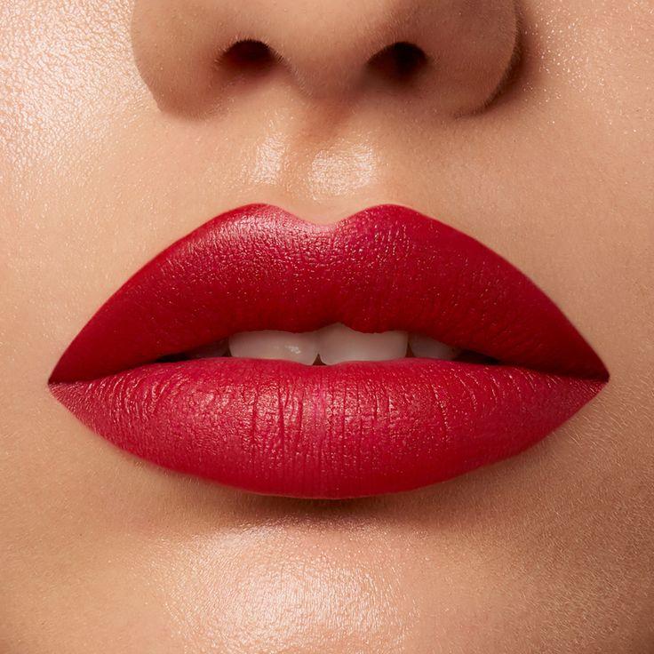 Smear proof lipstick