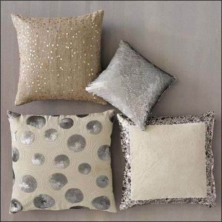 Sparkle pillows!: Pillows Covers, Living Rooms, Idea, Cute Pillows, Sequins Pillows, Accent Pillows, Throw Pillows, Decor Pillows, Couch Pillows