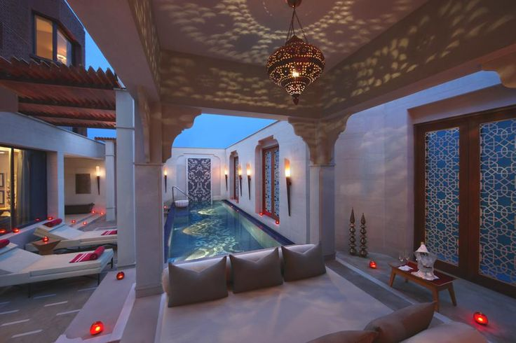 Moroccan style pool courtyard and a beautiful arabesque for Courtyard designs with spa