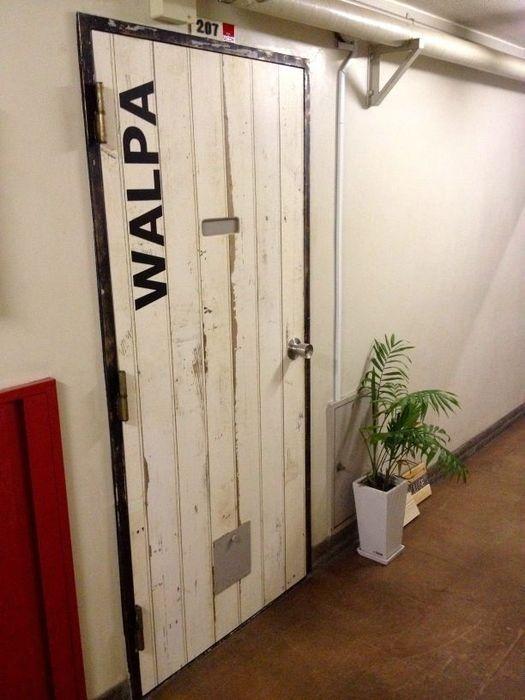 賃貸でもOK!壁紙やリメイクシートでドアのDIY!?