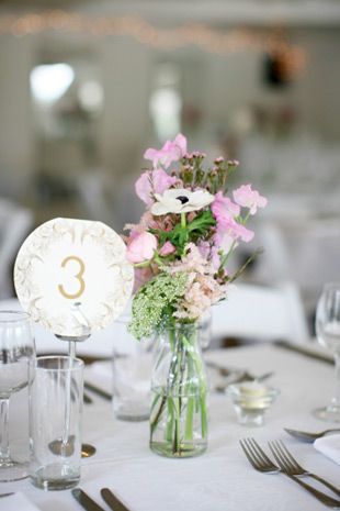 pretty table arrangements with anemones, sweet pea and ranunculus | www.onefabday.com