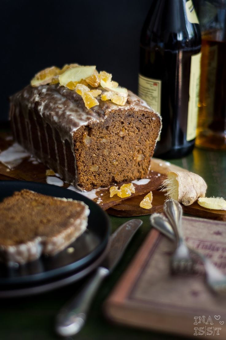 Ina Is(s)t: Würziger Ingwerkuchen mit Ginger Ale-Zuckerguss aus Irland /// Spicy Ginger Loaf with Ginger Ale Topping