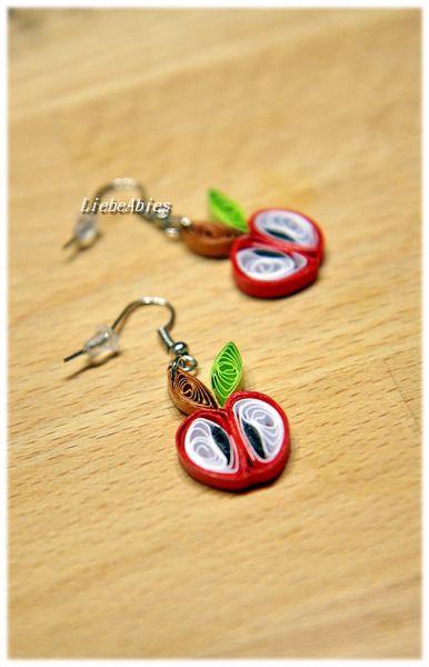 Quilling Ohrhänger Ohrringe Papier Äpfelchen von Liebeabies auf DaWanda.com