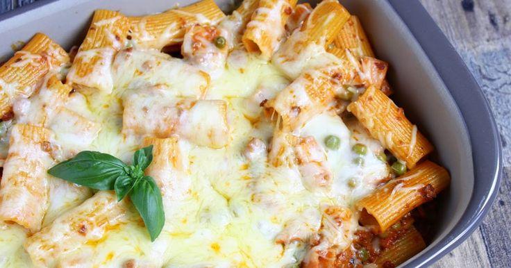 Bei unserem Lieblings - Italiener hatten wir uns oft Rigatoni al forno schmecken lassen. Seitdem wir dieses Rezept haben, können wir diese köstliche Pasta Spezialität auch zu Hause genießen. Ihr benöt