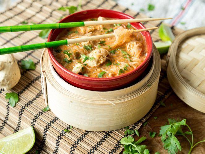 Schnelle Kokos-Curry-Nudelsuppe