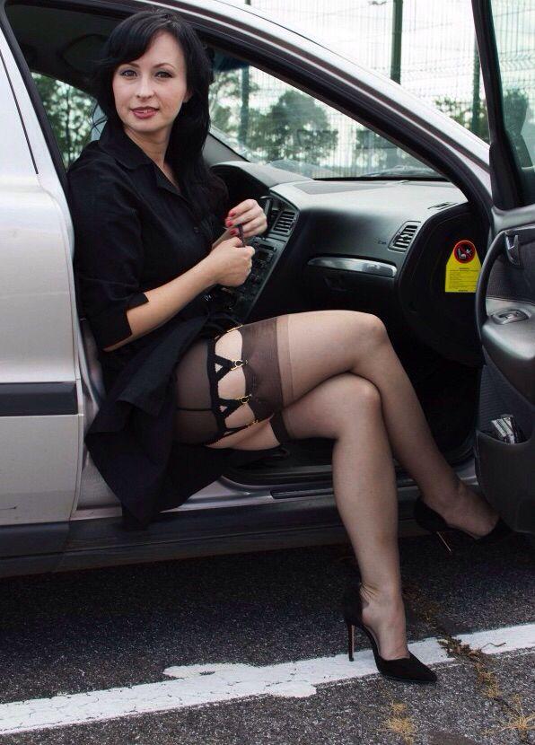 05a03ad97883b73d8e39359ac8577859--stockings-legs-nylon-stockings