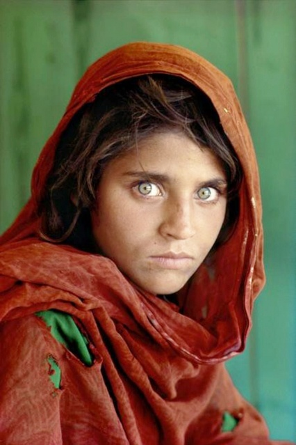 FEARFUL eyes ~ Afghan Girl from famous National Geographic Magazine