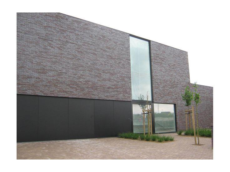 eva : mooie steen en mooi huis. Ik hou wel van de strakke lijnen. // Baksteen : Amsterdam Impression DeSaegher