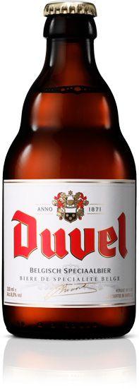 Duvel | Een Duvel geldt nog steeds als dé referentie onder de zwaardere, blonde bieren. Het boeket is pittig en prikkelend in de neus met wat citrus, die zelfs licht neigt naar pompelmoes door het gebruik van enkel de beste nobele hopsoorten. Dit kan ook terug gevonden worden in de smaak, mooi gebalanceerd met een vleugje kruidigheid. Dankzij het hoge CO2-gehalte heeft het bier een zaligmakende rondheid in de mond. Een Duvel is zowel de volmaakte dorstlesser als de ideale aperitief.