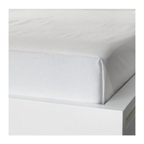 IKEA - NATTJASMIN, Lakan, 240x260 cm, , Satinvävda lakan av bomull/lyocell är mycket mjuka och behagliga att sova i, och har en tydlig lyster som gör att de ser vackra ut i din säng.Blandningen av bomull/lyocell suger upp och för bort fukt från din kropp och håller dig torr hela natten.Passar till sängar som är 160-180 cm breda.