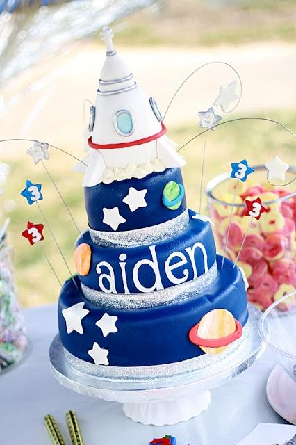 NASA Space Birthday Cake - I love the whirls with stars