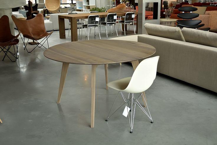 Flo dining round, exclusief bij de Kasstoor & Wonen 2000! #Flo #diningtable #Designhart