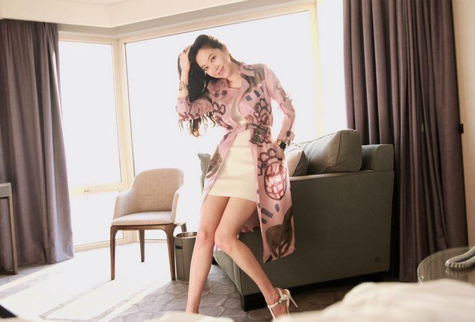Korea feminine clothing Store [SOIR] Pro thumb Burberry / Size : Free / Price : 235.54USD #korea #fashion #style #fashionshop #soir #feminine #special #lovely #coat #burberry #luxury
