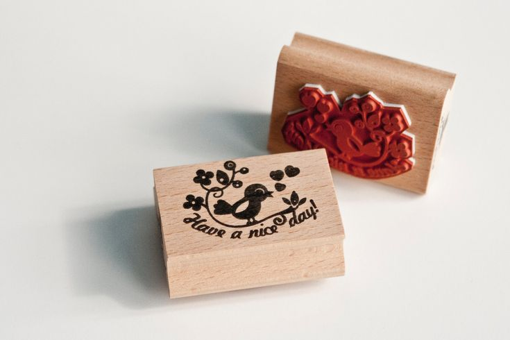 """Rubber Stamp saying """"Have a Nice Day"""" with cute bird & Free Manilla tags. €9.95, via Etsy."""
