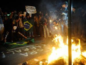 Rio amanhece com sinais de vandalismo após protesto na zona sul  