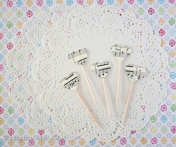 Set of 12 pcs  Music Cupcake Toppers. Heart Music by pingosdoceu, €2.40