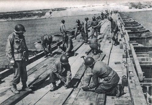 FEB engineers building a bridge over the River Arno
