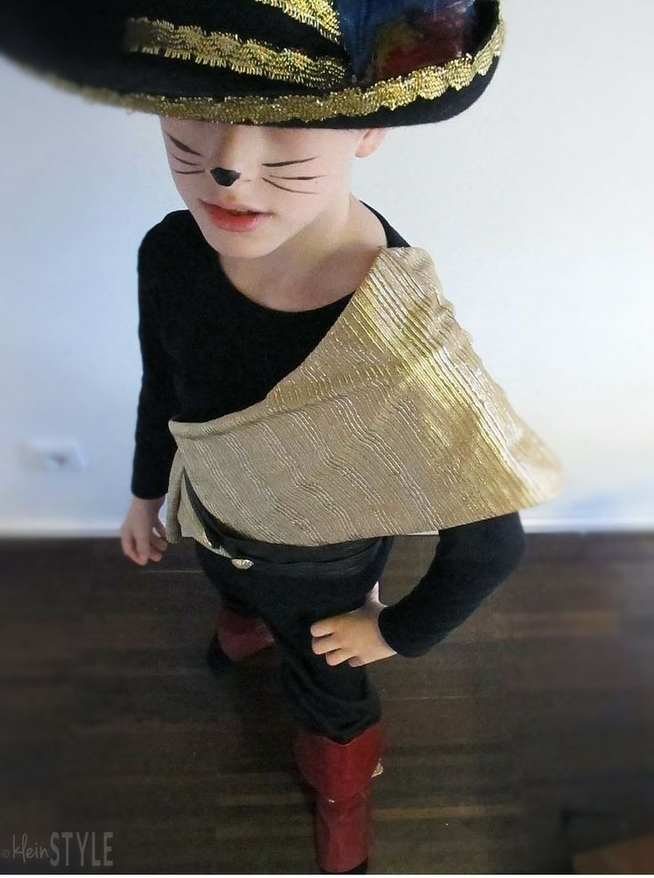 Puss in Boots Kids costume for carnival or Halloween  | Gestiefelter Kater Kinder Kostüm Kinder-Fasching  |  via http://kleinstyle.com