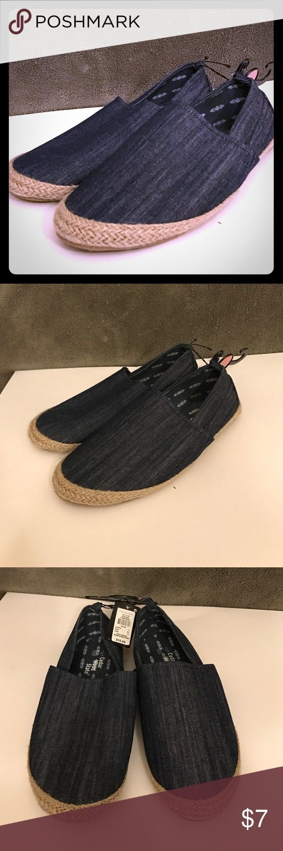 Cedar Wood State Espadrille Shoes Denim espadrilles shoes, slip on men's in size 8. Cedar Wood State Shoes Loafers & Slip-Ons
