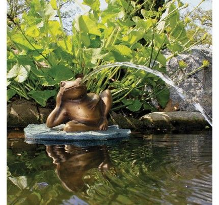 Aquascape Lazy Frog on Lily Pad Spitter with Pump