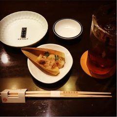 福岡市中央区平尾の田中田 博多本店へ夕食を食べに行ってきましたちょっと敷居が高く感じるおしゃれな和食店ですけど料理は抜群に美味しかったです(  ) 家内と久しぶりのデートで行ってきましたが記念日とかで行くのにオススメですよ( ˊᵕˋ)ノ  tags[福岡県]