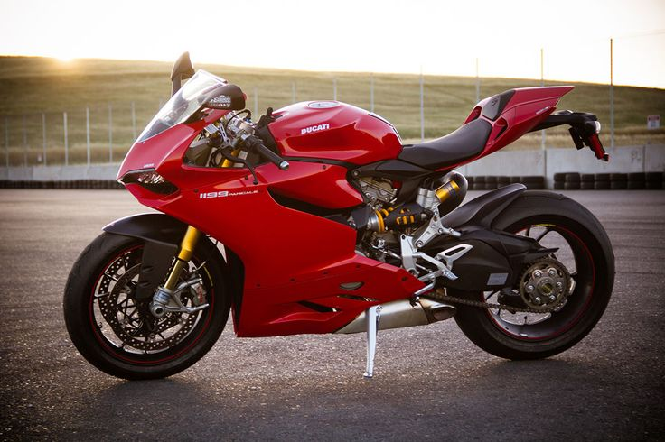 Ducati Panigale S (w/ Electronic suspension and traction control), 2012. A Stunning Italian Beauty, in red...