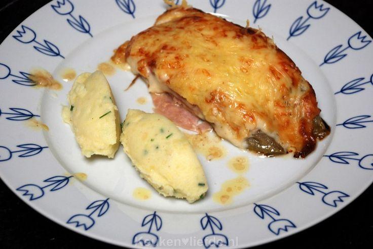 Dit is een van mijn favoriete gerechten, witlof met ham en kaas en romige bechamelsaus uit de oven!