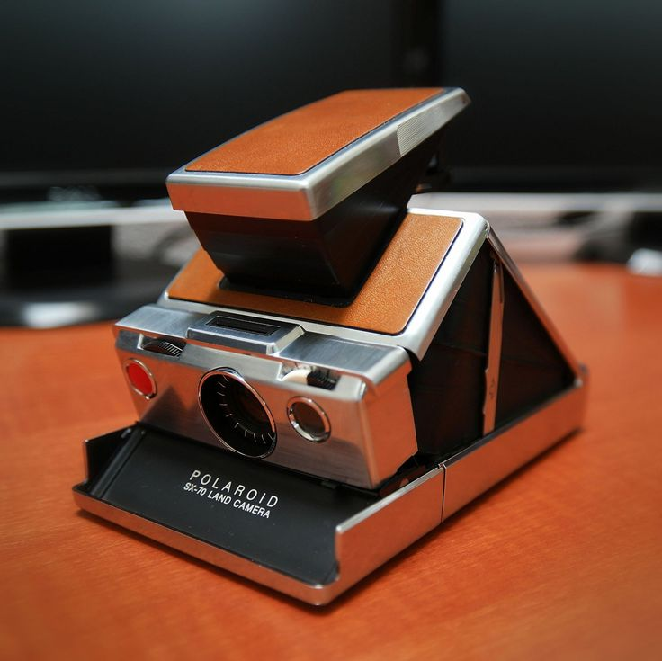 Amazon.com : Polaroid SX 70 Vintage Camera with case. : Camera & Photo