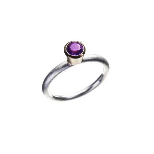 Ring with amethyst. Samlering med ametyst