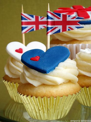 adorable royal wedding cupcakes. I'm not into all of the insanity about this wedding, but these are tasteful.
