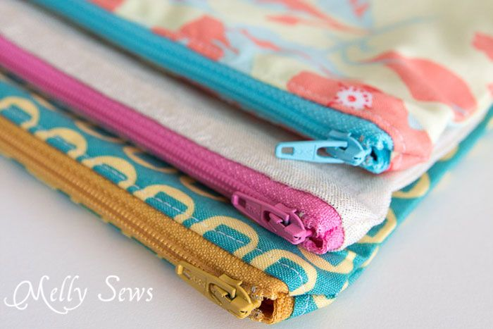 Love the pretty colors - How to Sew a Zipper Pouch - 15 minute sewing project - Melly Sews