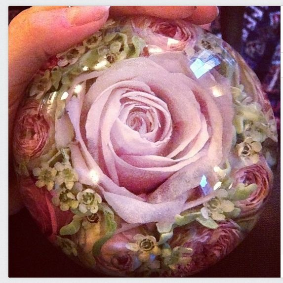 Wedding Flowers In Resin: 36 Best DIY RESIGN PAPERWEIGHTS Images On Pinterest