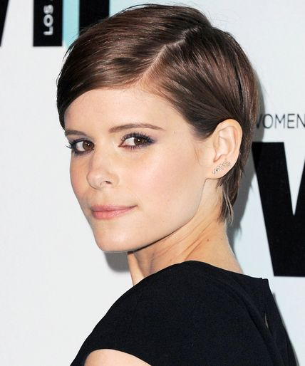 Kate Mara looks stunning in a sophisticated side-parted pixie.