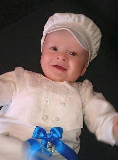 Keps till vår dopklänning Philip från Grace of Sweden. Christening gown