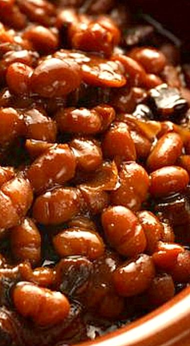 Homemade Boston Baked Beans - sweet molasses and smoky bacon make all the difference here ❊
