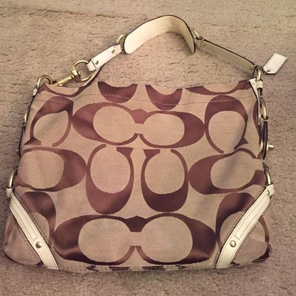 Authentic Coach Purse Used Authentic Coach Winter White And Tan Shoulder Bag Does Show Some Signs Of Wear Along Zipper An Coach Purses Tan Shoulder Bag Purses