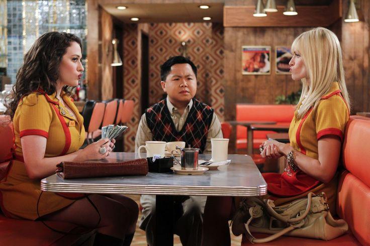 #2BrokeGirls: conheça a mãe de Han Lee